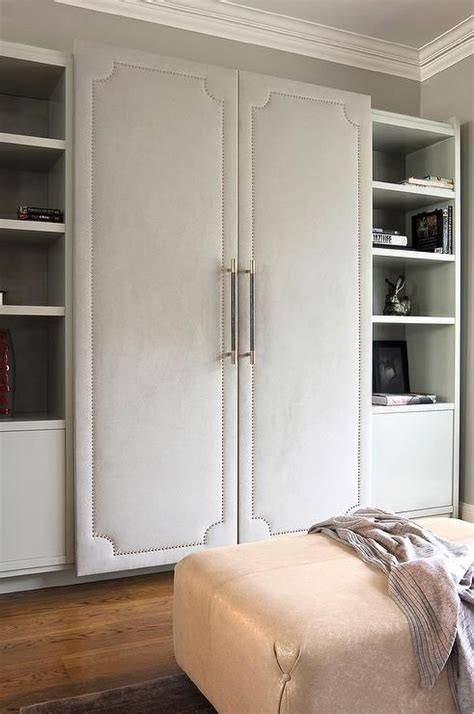 walk  closet features  wall lined  cabinet fitted