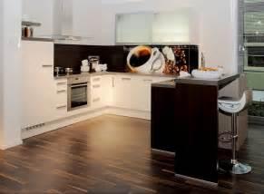 geflieste arbeitsplatte küche de pumpink wohnzimmer design programm