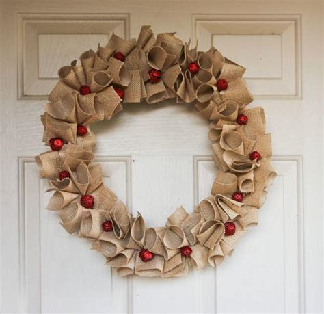 diy christmas wreaths  charming burlap wreaths
