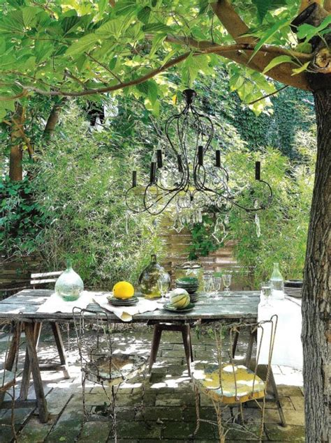 Picture Of refined french backyard garden decor ideas 30