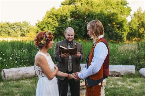 wedding on a shoestring budget uk how to plan a wedding the cheapest ways to get hitched