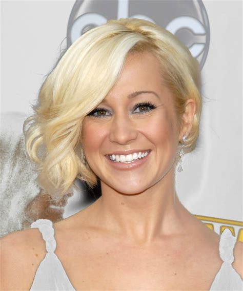 Kellie Pickler Hairstyles by Kellie Pickler New Hairstyle Hairstyle 2013