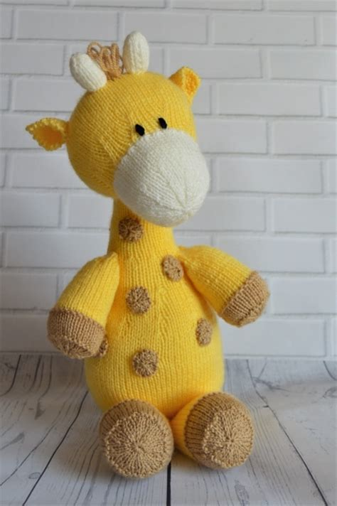 Knitting Pattern Giraffe | raf the giraffe softie knitting by post