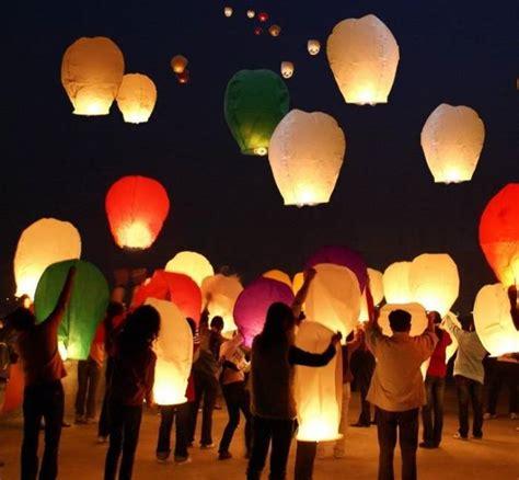lanterne volanti ebay lanterne volanti mongolfiere 20 pz sky lantern cinesi