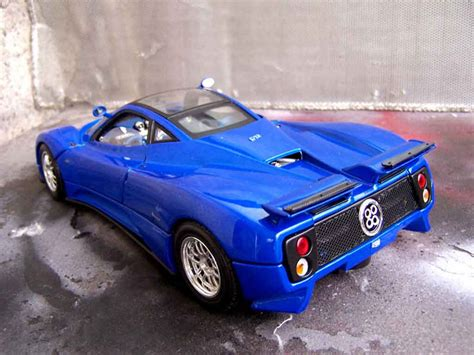 blue pagani zonda pagani zonda c12 blue motormax diecast model car 1 18