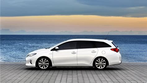 Toyota Auris Hybrid Sport 2013 Toyota Auris Touring Sports Is The Only Sedan In The