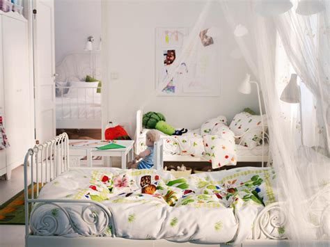 kids shared bedroom ideas shared kids bedroom ideas with colorful quilt and white