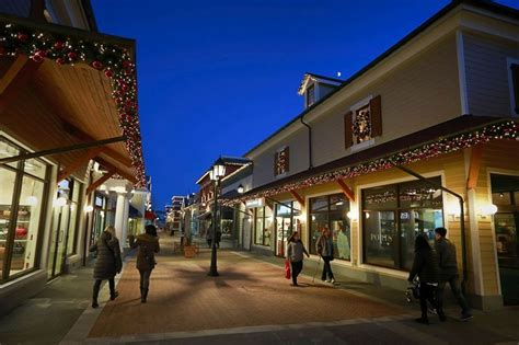 Stores Vancouver by Mcarthurglen Vancouver Designer Outlet Centre Hours