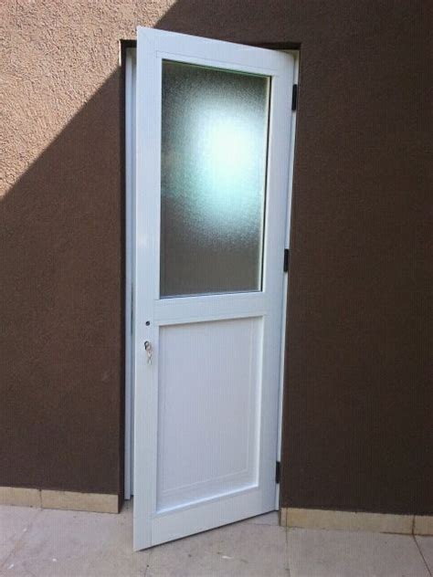 puerta con ventana puerta ventana aluminio puerta ventana aluminio linea