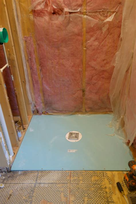 Walk In Shower Designs For Small Bathrooms by Advantages And Disadvantages Of A Curbless Walk In Shower