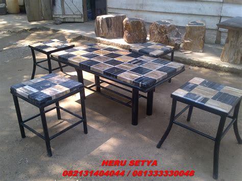 Meja Batu meja patung kursi asbak batu fosil sungkai surabaya