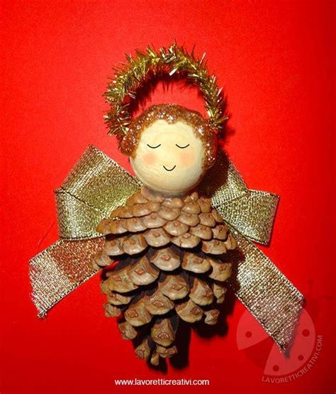 decorare pigne x natale addobbi natale angelo con pigna lavoretti creativi