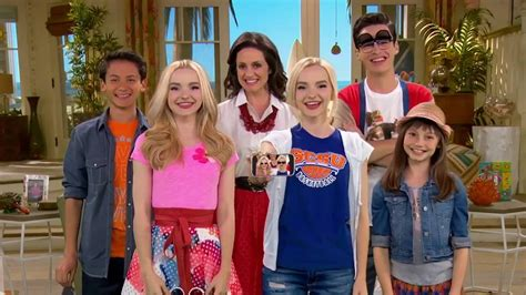liv and maddie california style liv y maddie estilo california intro temporada 4 youtube