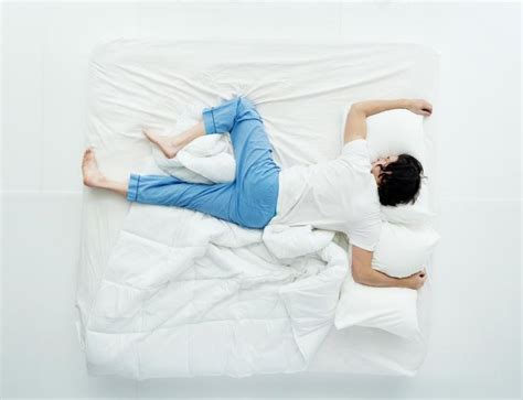 how to find a comfortable sleeping position the best and worst sleeping positions desired sleep