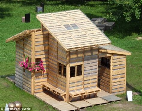 pallets  home projects  refugees  poor pallet ideas