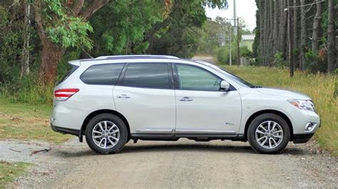 nissan hybrid 2015 review 2015 nissan pathfinder hybrid st l review