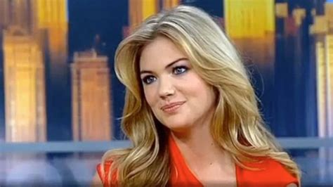 leslie mann on live with kelly and michael kate upton hits it off with michael strahan on live with