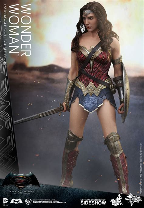 Figure Wonderwoman toys sideshow collectibles
