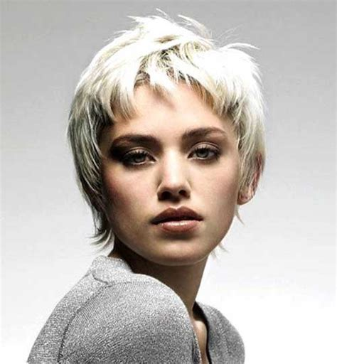 short off face hairstyles 10 super pixie cuts for oval faces pixie cut 2015