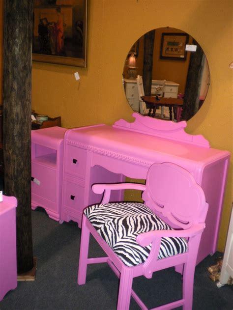 Pink Vanity Table 17 Best Ideas About Pink Vanity On Vanity Table Diy Pink Furniture And Pink
