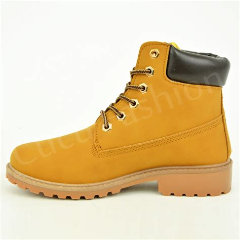 womens fashionable hiking boots with beautiful trend