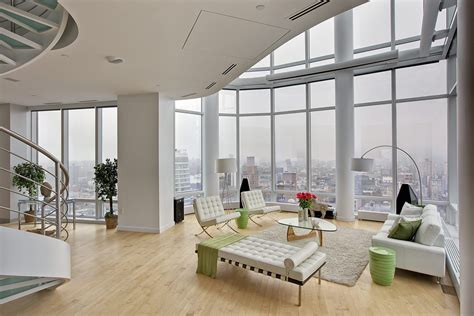 living room ny duplex penthouse manhattan 01 loftenberg