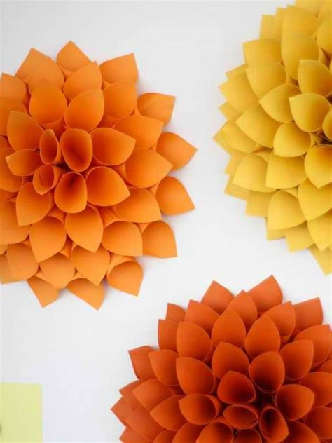 How To Make Paper Decorations For Your Room - diy fall door decorations fall outdoor decor diy projects
