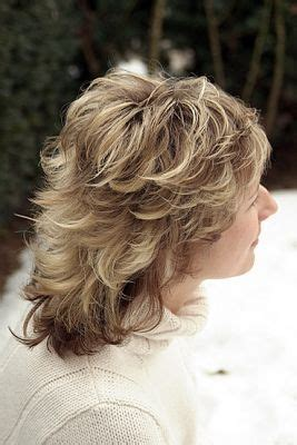 medium haircut feathered backwards best 25 medium shag haircuts ideas on pinterest long
