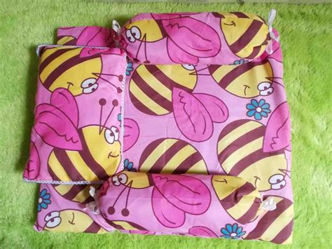 Tas Penyimpanan Bantal Selimut Baju paling murah kasur bayi plus bantal dan dua guling motif lebah pink baju bayi celana bayi