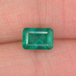 Moonstone Cat Eye 7 9x4 4 0 7 carat octagon emerald cut 5 9x4 1 mm green emerald