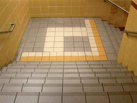 pavimenti tattili pavimento tattile in gres porcellanato per interni ed