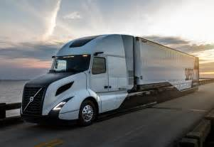 Volvo Future Truck Volvo Supertruck Improves Big Rig Fuel Efficiency By A