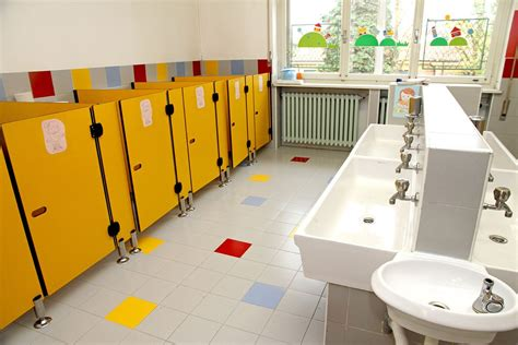 school bathroom camera parents call police after school only allows pupils two