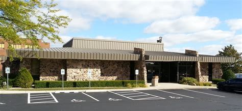 Forum Credit Union Greenfield Landmark Credit Union Banker Og Kreditforeninger 3600 N 124th St Wauwatosa Wi Usa