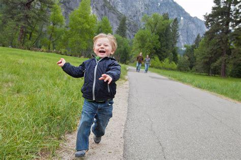 kid runs away from home runaway kid