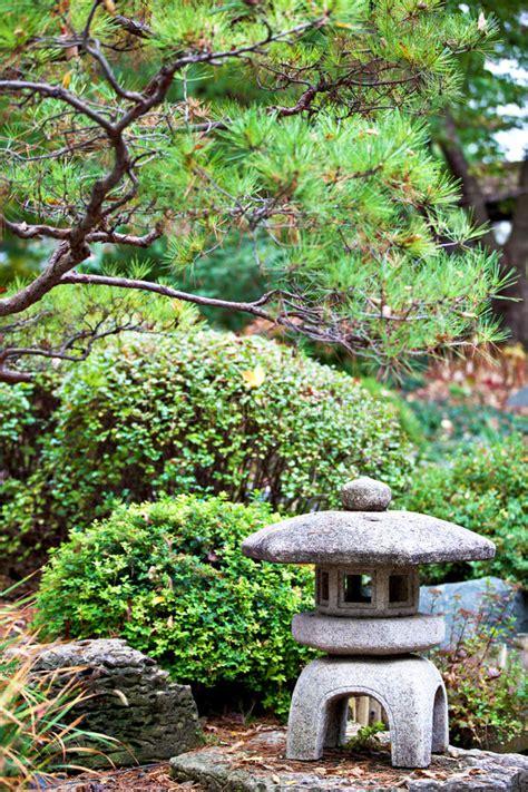 Minnesota Landscape Arboretum Japanese Garden Rock Lantern In Japanese Zen Garden Royalty Free Stock