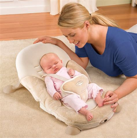 how to comfort baby summer infant tummy comfort positioning mini bouncer seat