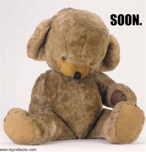 Meme Teddy Bear - teddy bear holding heart memes