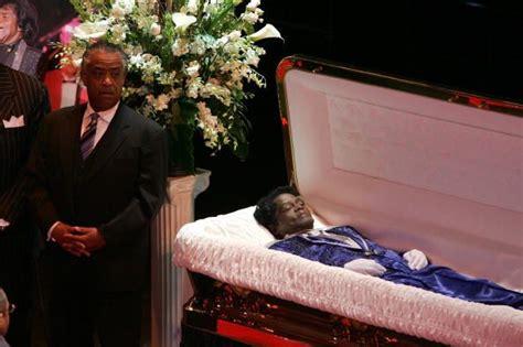 9 celebrites who had open casket funerals all 4