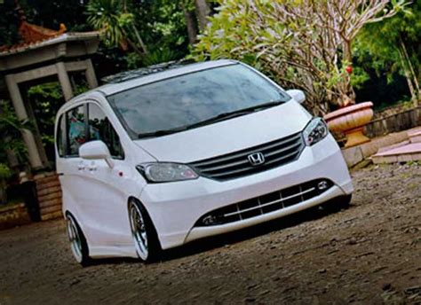 Shockbreaker Honda Freed Honda Freed Mobil Keluarga Cita Rasa Anak Muda