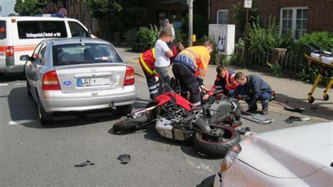 Motorradunfall Norderstedt by Motorrad Unfall L 252 Neburg Hamburger Abendblatt