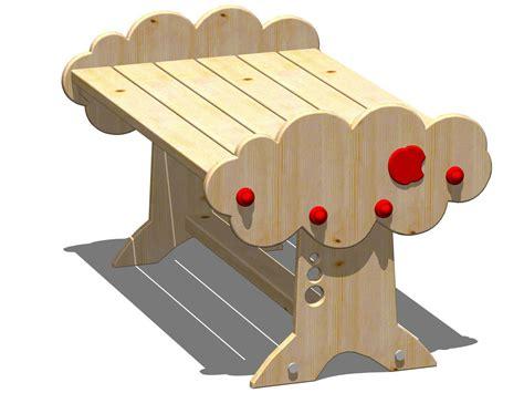 tavoli per bambini in legno mela tavolo per bambini by legnolandia