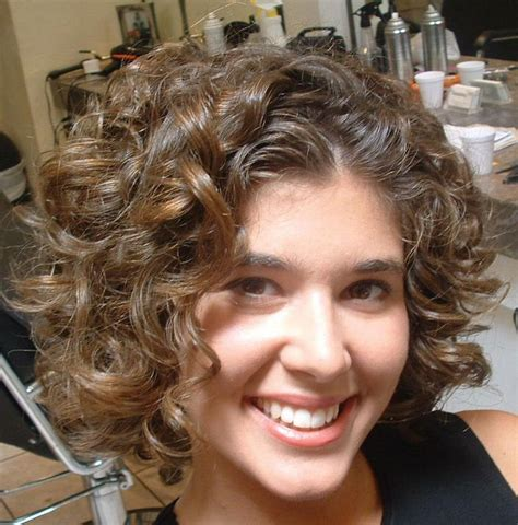 hair cuts for naturally curly frizzy hair and double chin short hairstyles and cuts nice short hairstyles for