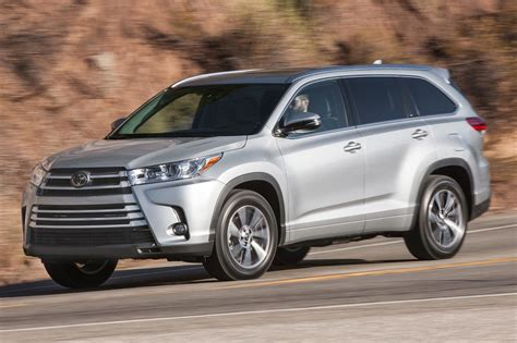 toyota highlander xle 2017 toyota highlander 8 things to know motor trend