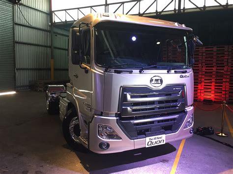 interior ud truck kuzer ud trucks premiere new quon in australia behind the wheel