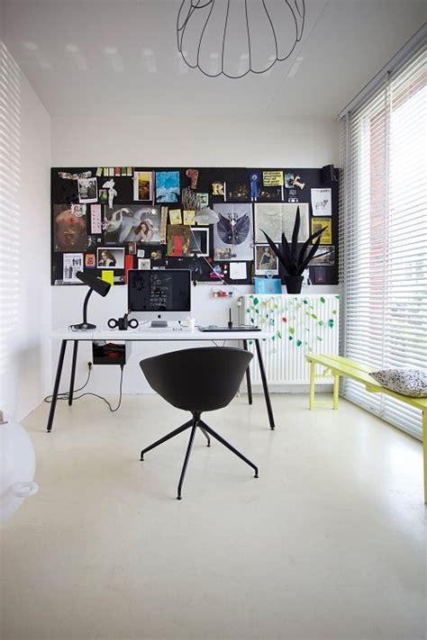 creative workspace  blackboard designed  gispen huiswerk