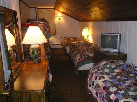 bed and breakfast killington vt turn of river lodge bed and breakfast 5672 route 4 in