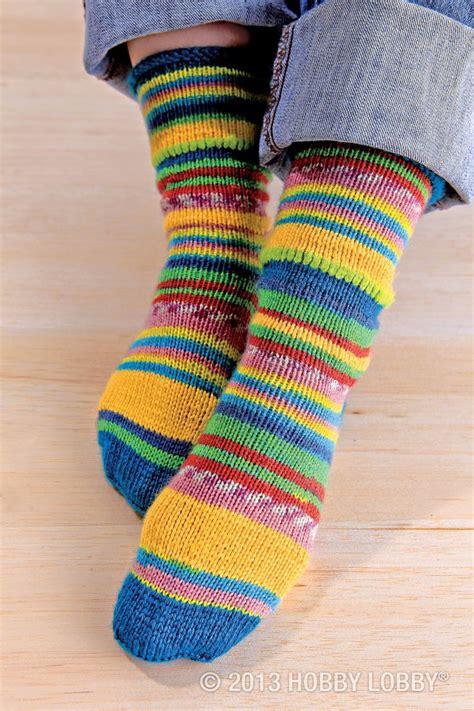 loom knitting socks 106 best loom knitting socks images on knit