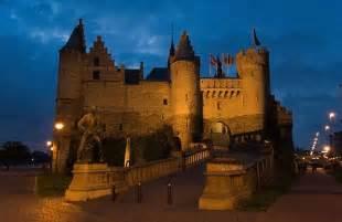 historical castles the famous castles in europe kris hadiawan