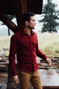 what color shirt with khaki what color of should i wear with a maroon shirt quora